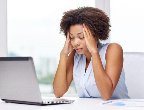 Estudo revela impacto devastador da enxaqueca na vida profissional